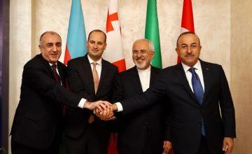 RUSEN[HABER]: Mevlüt Çavuşoğlu, İran, Bakü-Tiflis-Kars Demiryolu'na bağlanmak istiyor