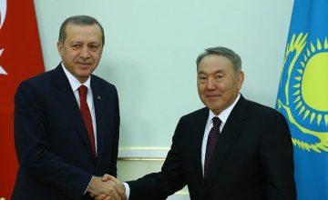 """Türkiye'nin önerisiyle Nursultan Nazarbayev """"Türk Konseyinin Ömür Boyu Onursal Başkanı"""" oldu"""
