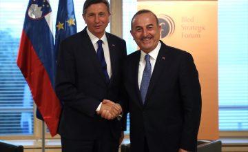 """Mevlüt Çavuşoğlu: """"Kendimiz üretene kadar füze savunma sistemini Rusya'dan alırız"""""""