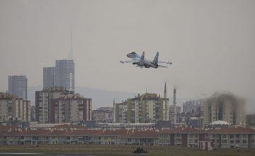 Rus Savaş uçağı Su-35 İstanbul semalarında uçtu