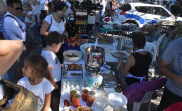 Türk ve Rus lezzetleri tatilcilerin beğenisine sunuldu